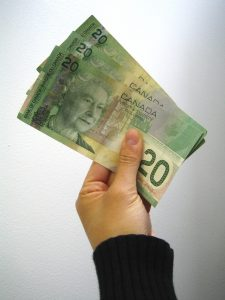 canadian-money-1238713-639x852